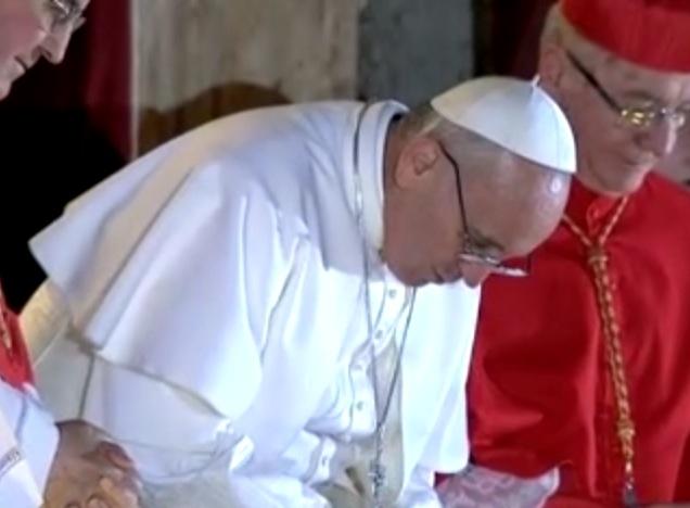 praying pope